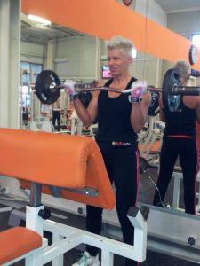 bicepsz rúddal