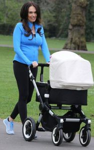 exclusive jkpics tamara ecclestone walking with daughter sophia